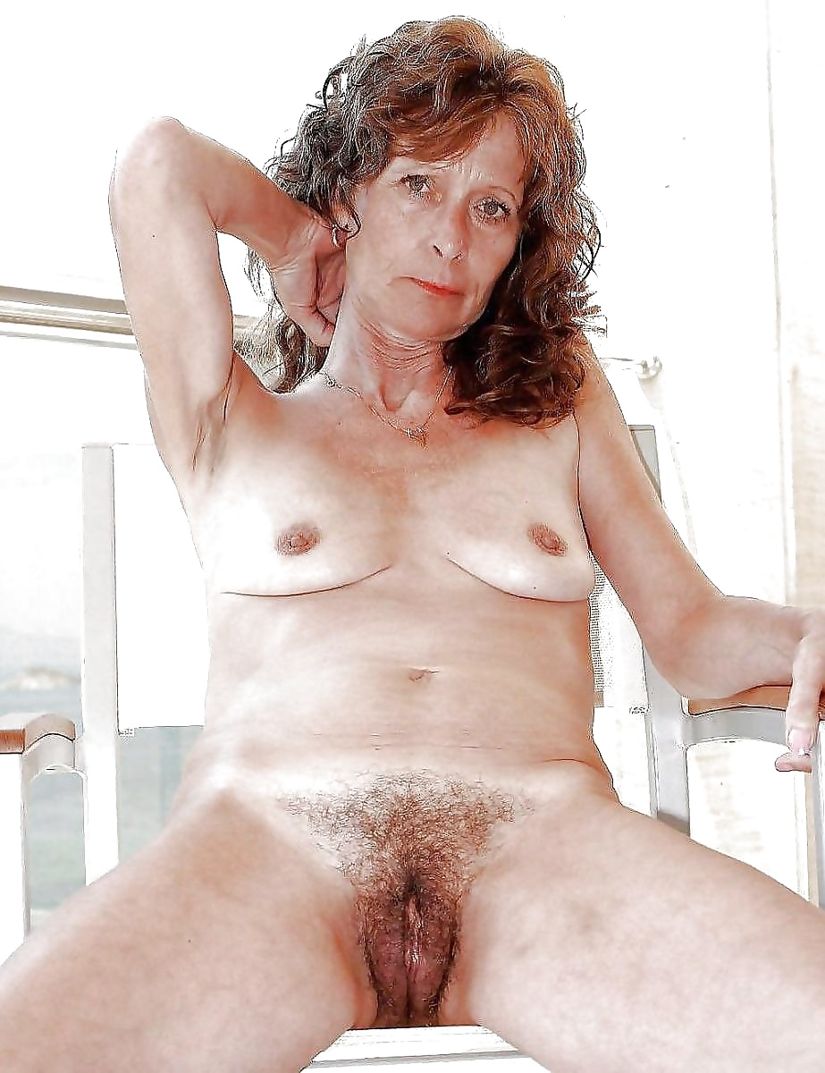 Elderly italian women nude — photo 5