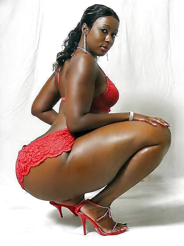 huge-black-lady-half-naked