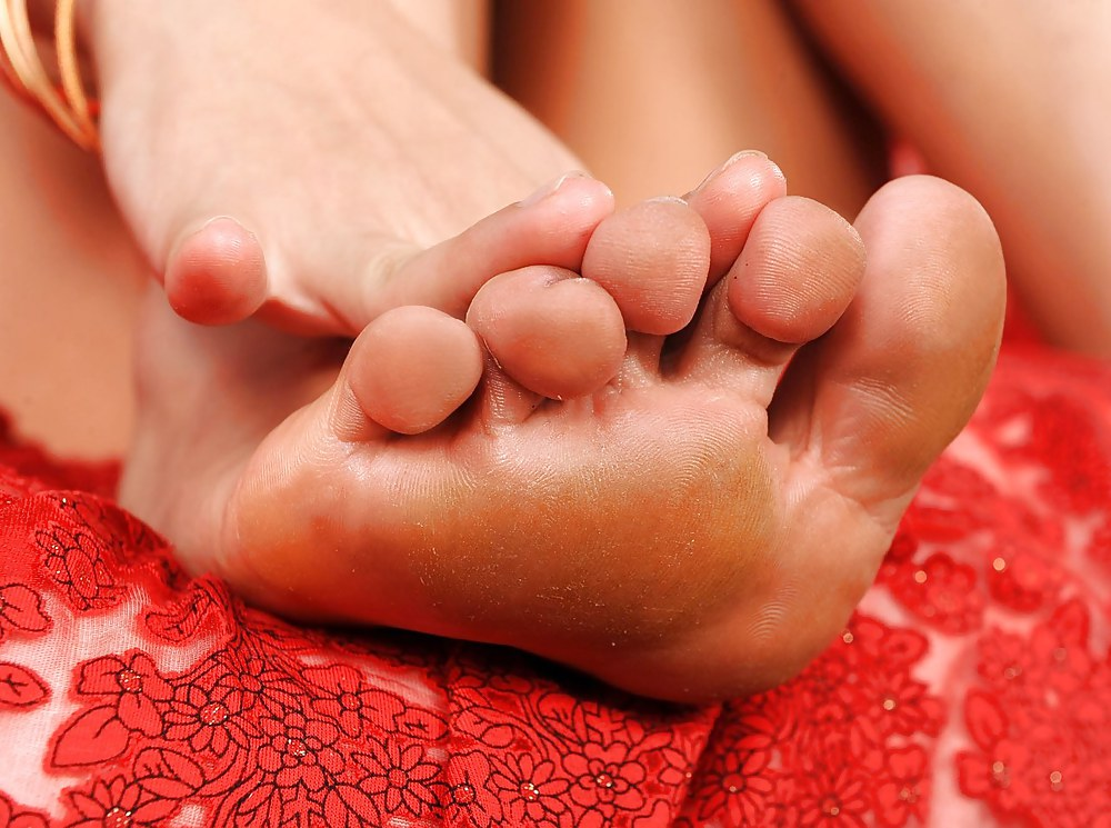 Pin on feet love