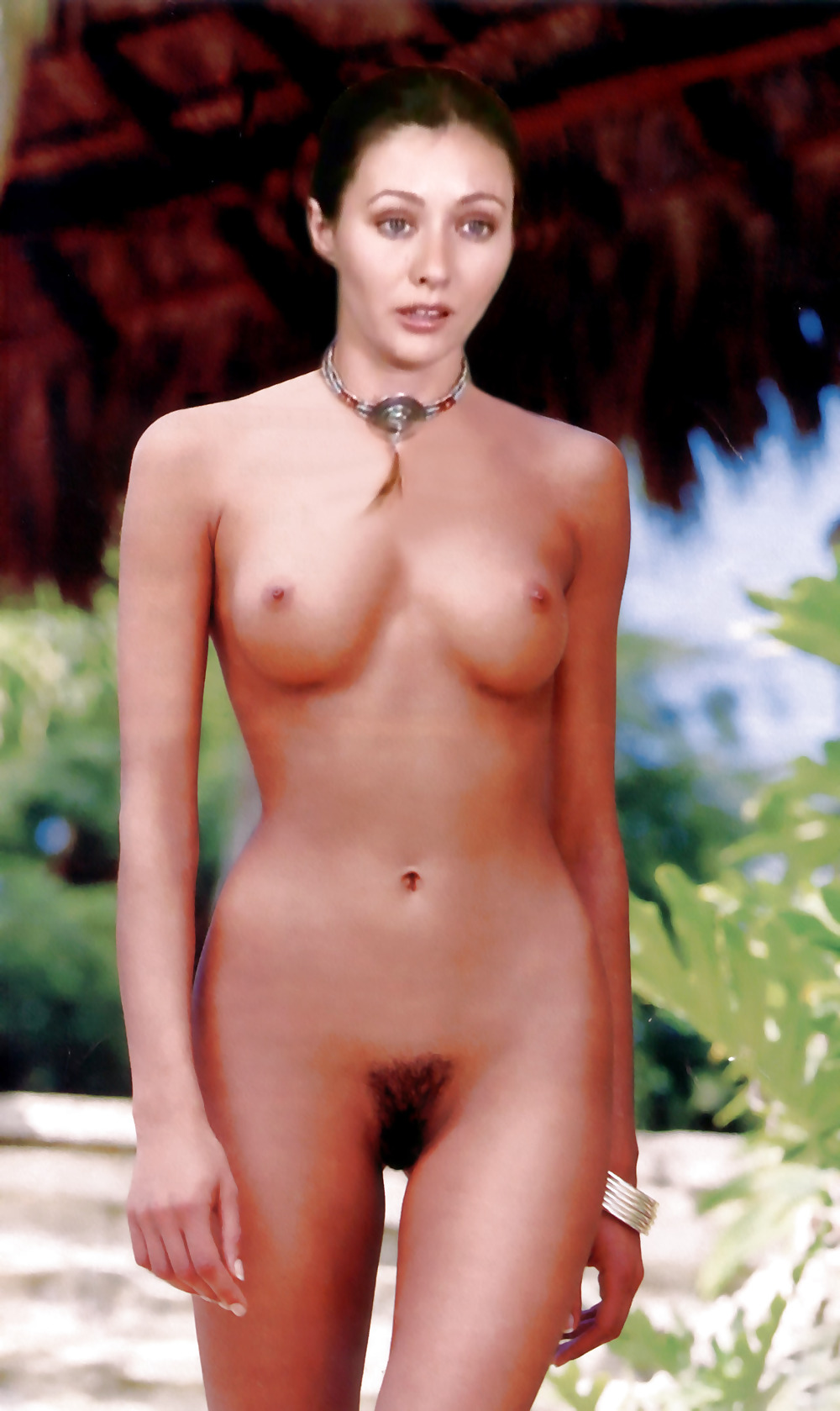 Shannen doherty fake nude pics — photo 13