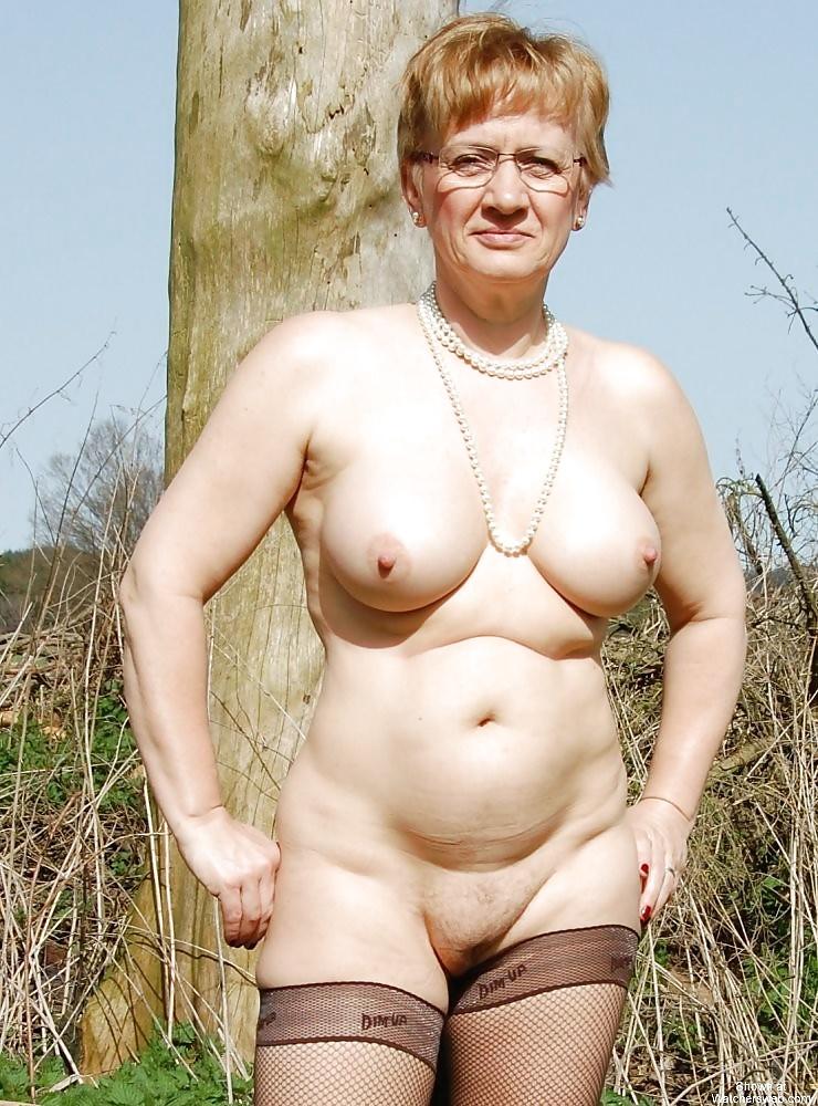 голые престарелые на фото это временный
