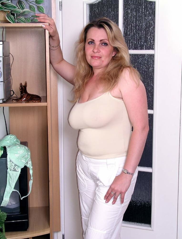 naked-chubby-white-milfs-white-and-asian