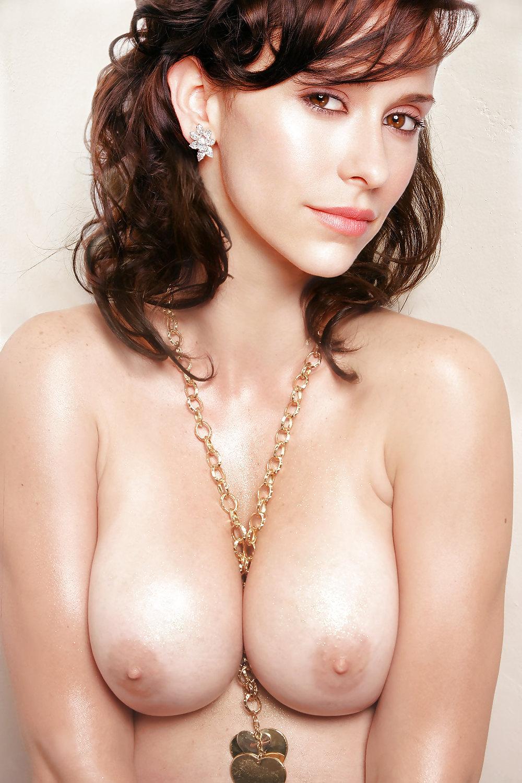 Jennifer love hewitt naked pic #3