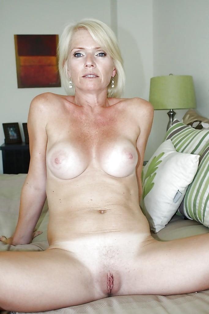 hot-blonde-moms-naked-wife-anus-sex