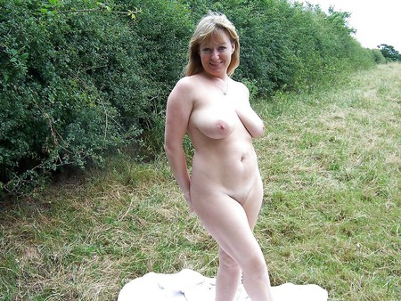 Busty women 174 (Older women special)