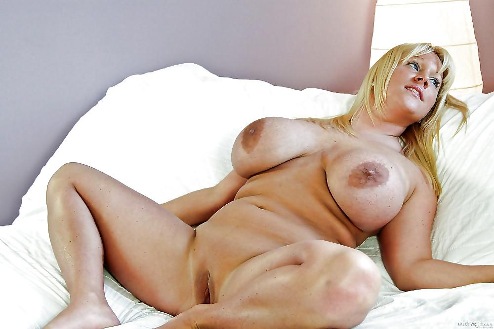 Mature Huge Tits Nude