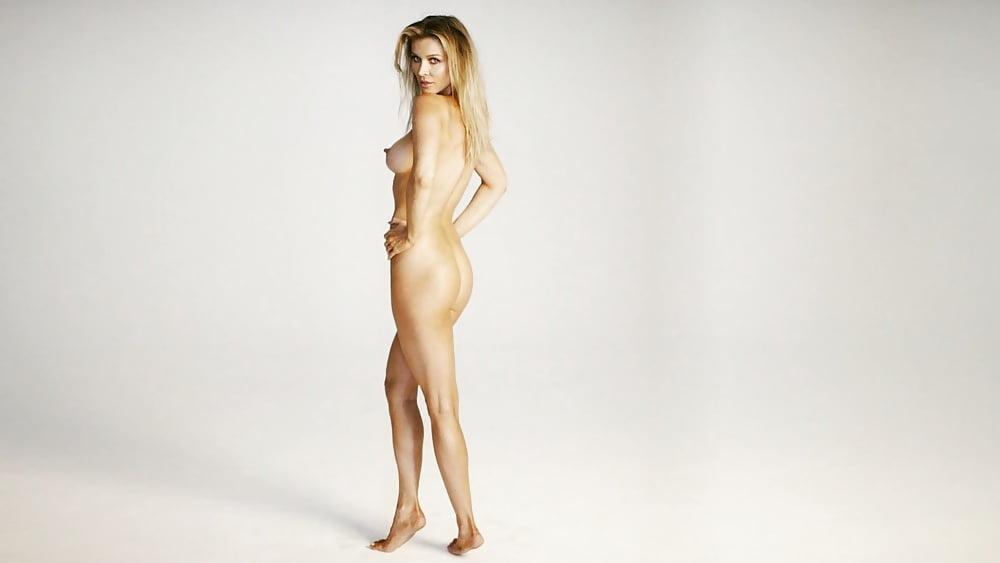 Joanna krupa sends fans wild as she strips naked again