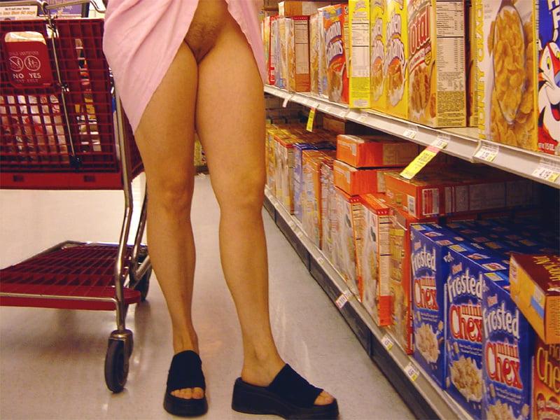 Amazing Upskirt Exhibit In The Supermarket