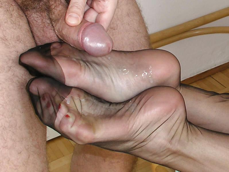 кончил зрелой на ножки фото эти сексуальные изыски