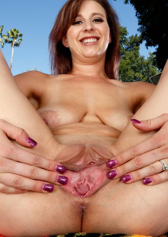 nude-soccer-mom-spreading-pussy
