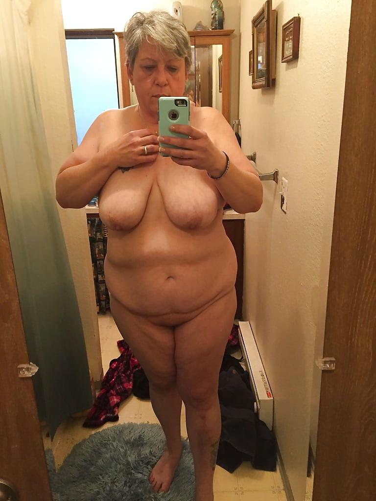 selfie-nude-granny