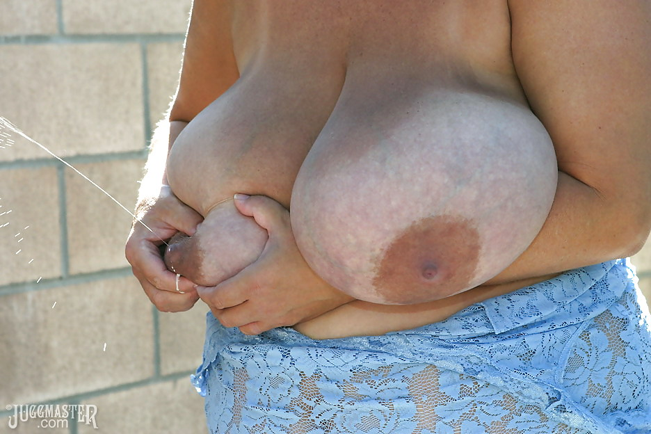 Huge milky tits, uploaded by ranging