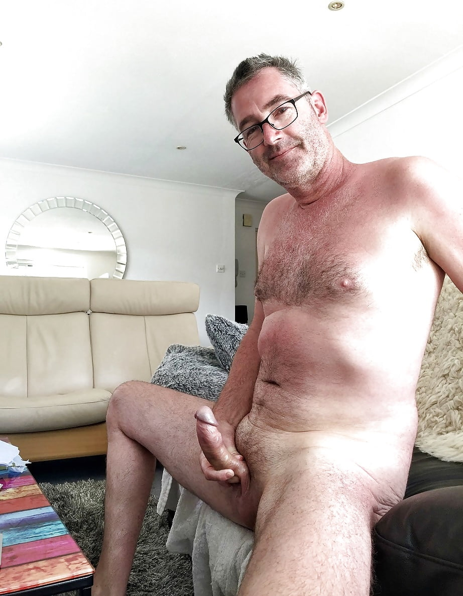 free-naked-mature-men-gallery-belize-red-tube