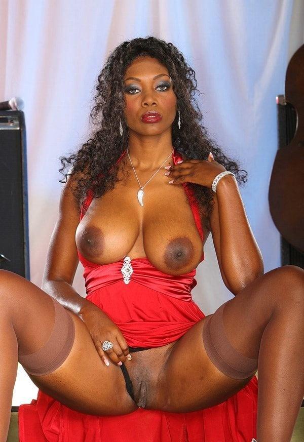 Ebony Milf Nude