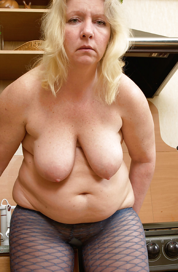 Mature tits mom-3728
