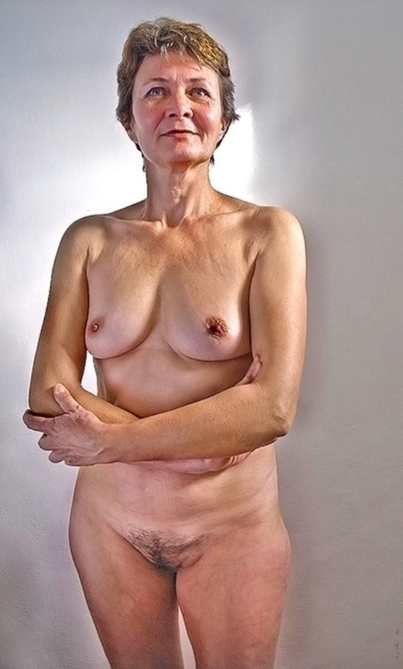 Photos of older nude actresses — img 6