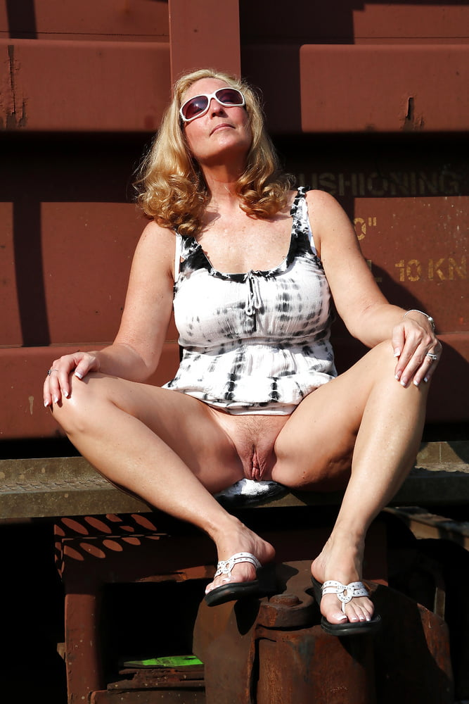 Dame Haengetitten Extrem Kondomsex