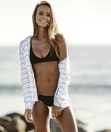 Helen Owen Height Weight & Body Stats
