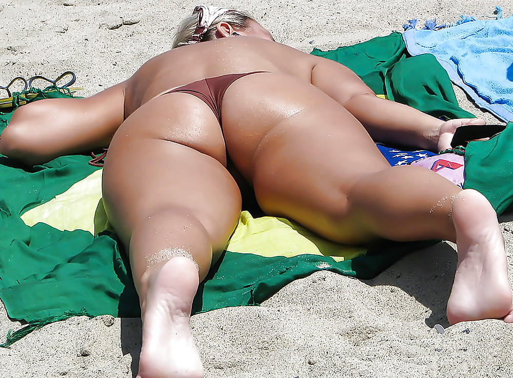 Fat ass beach voyeur pics xxx pic