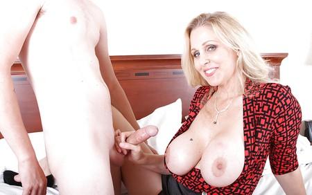 matures milfs tits