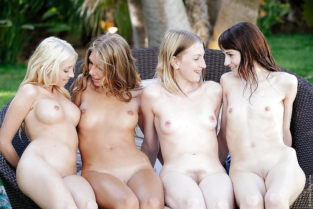 Random hot chicks naked