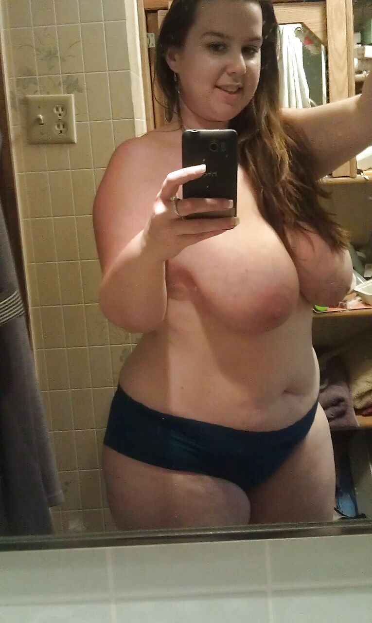 Fat girl selfshots nude — pic 12