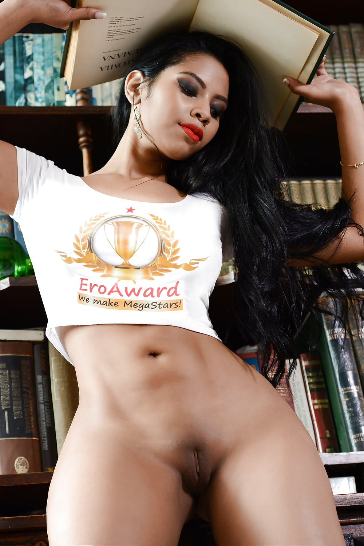 Angelica Bella Hot vote selena bella best camgirl at eroaward! - 21 pics