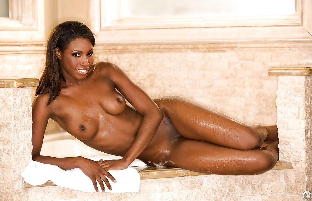 Красивые чернокожие девушки голые видео порно девки