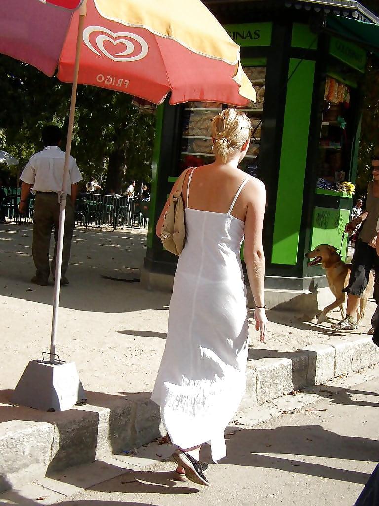 Видео девушка промокшая на остановке платье просвечивает насквозь — photo 8