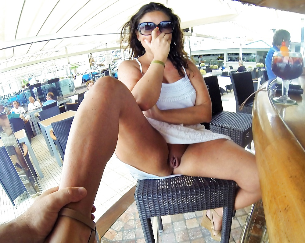 Upskirt no panties public videos, free streaming pussy porn videos