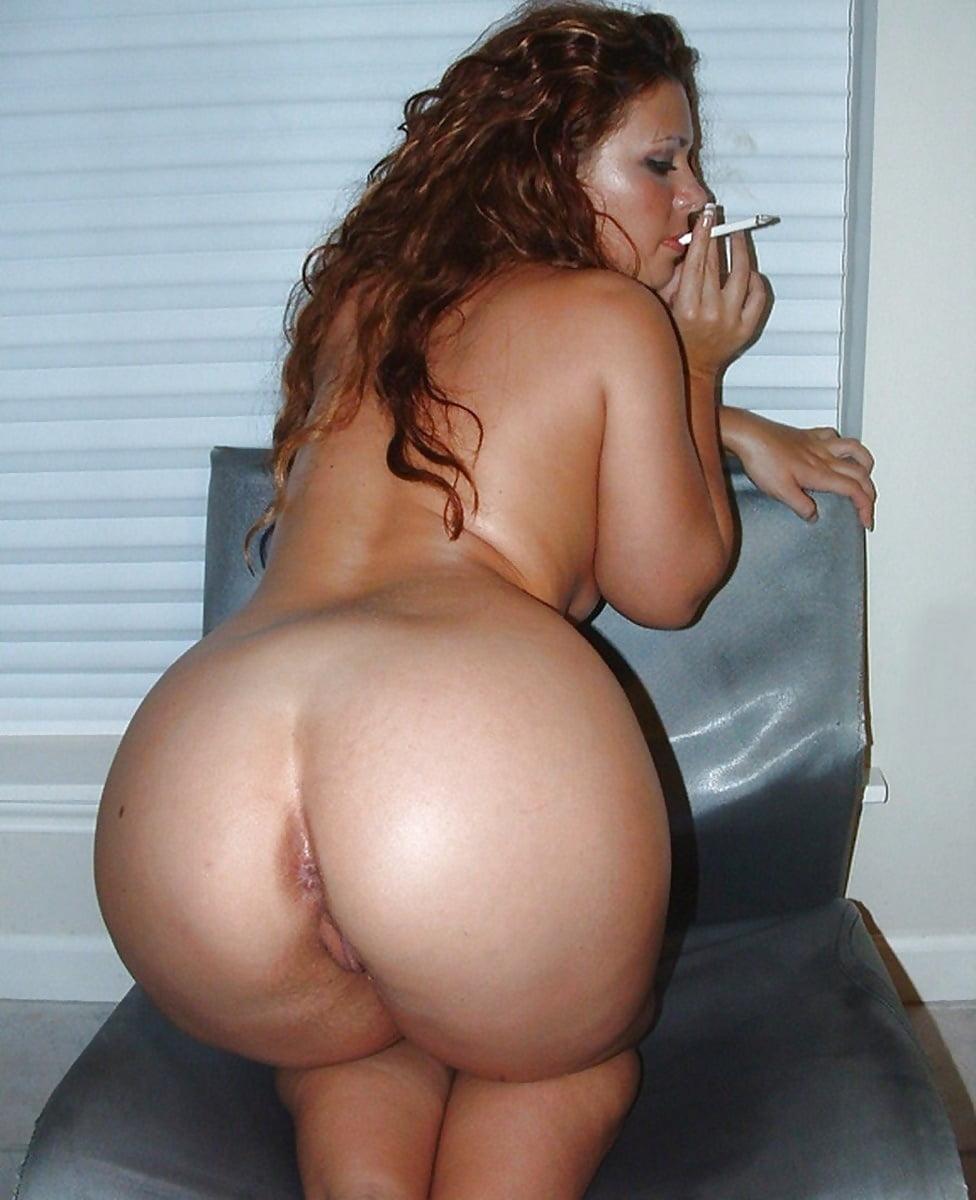 Big bald pussy porn pics with big round ass girls