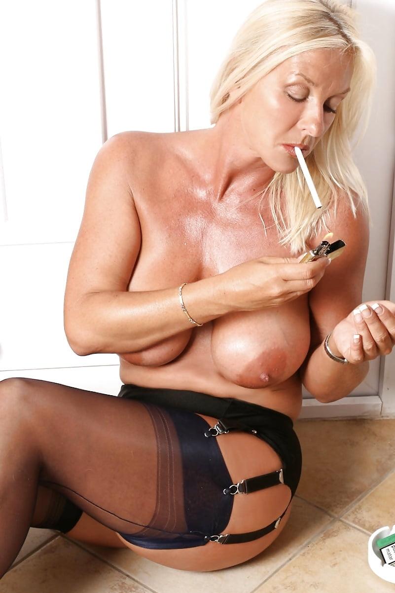 Mature pics blond cigarette — photo 8