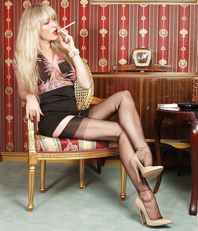 girls-pantyhose-hot-smoking