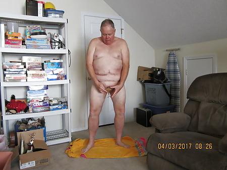 busty mature gamer babes topless