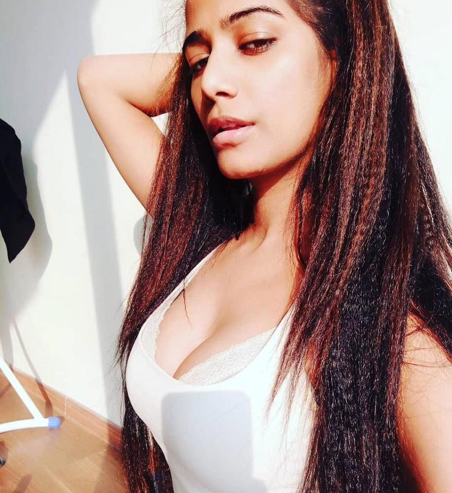 Latest Poonam Pandey Nude Hot Sexy Photos XXX