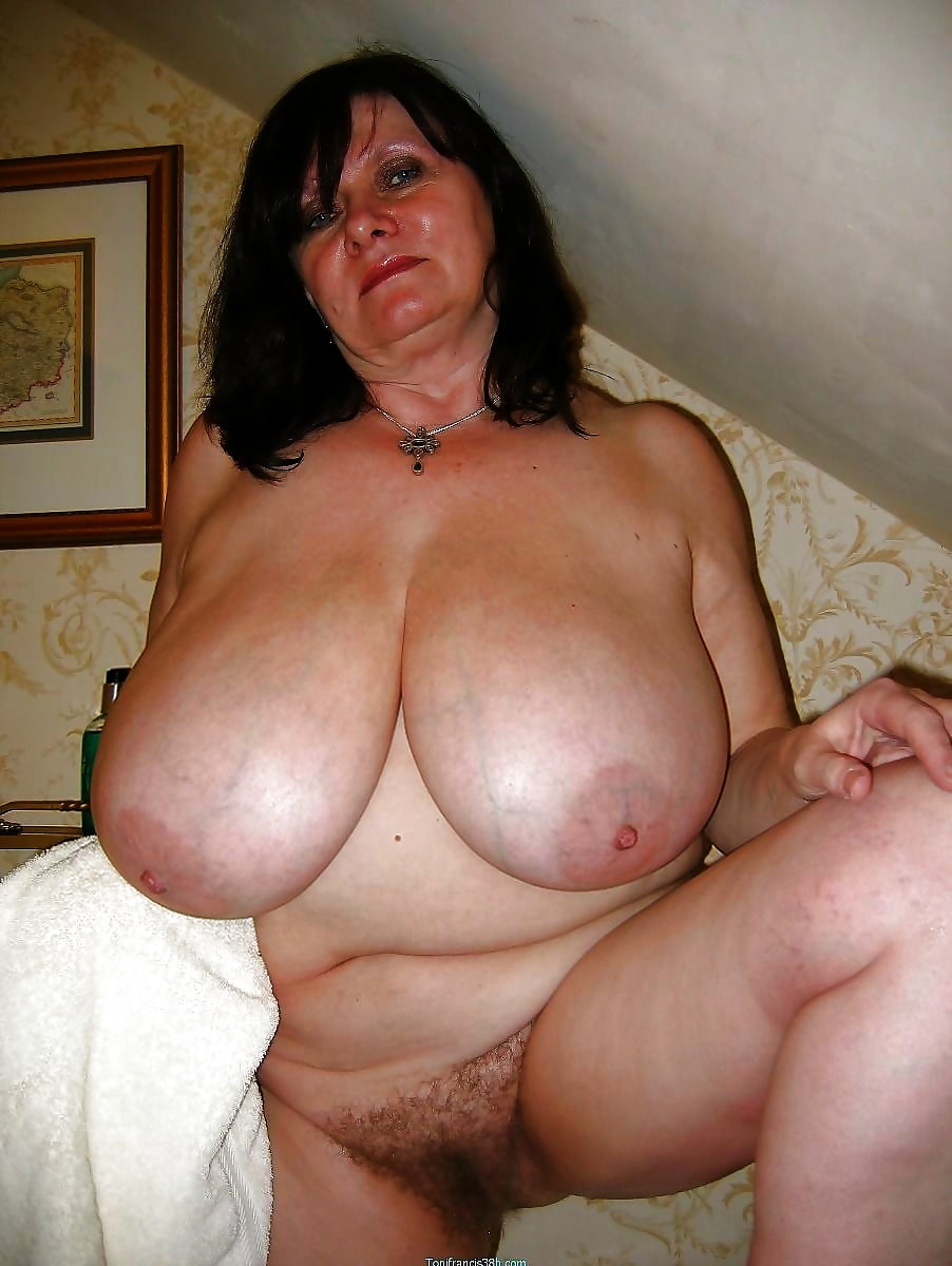 Mature Boobs Free