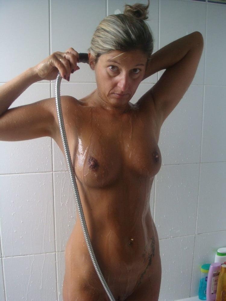 wet naked booty
