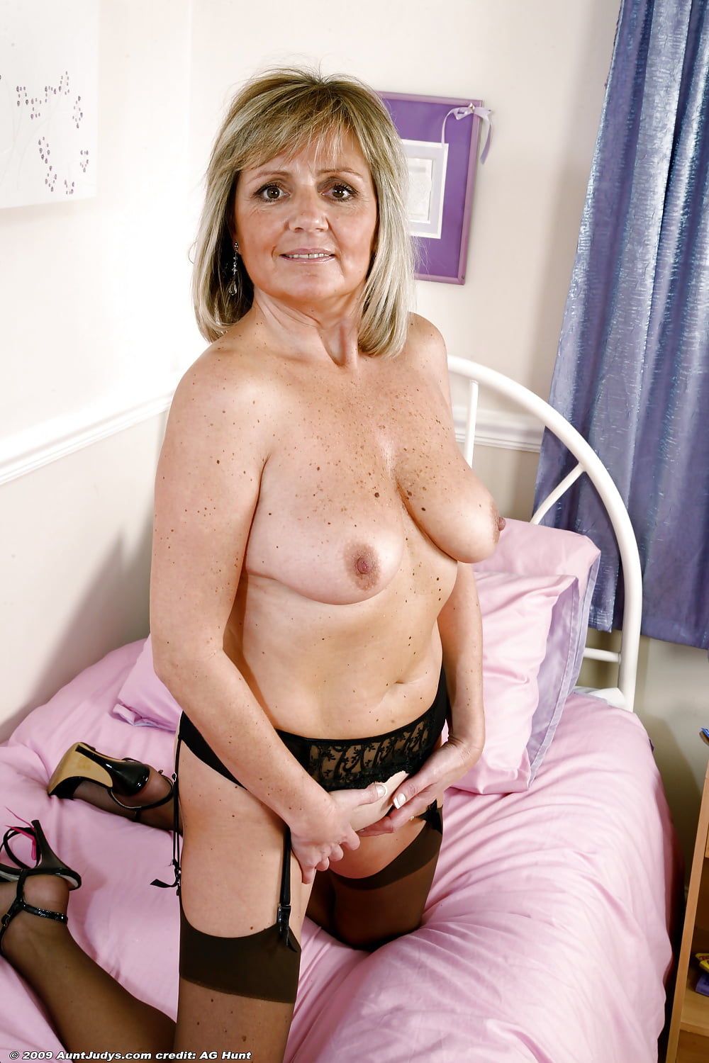 Porn women in their forties, pirate girls having sex