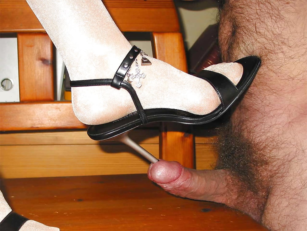 Masturbate With A Cuncumber In Sexy High Heels