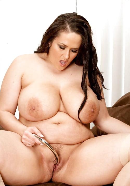 Стриптиз толстухи показывают свои прелести