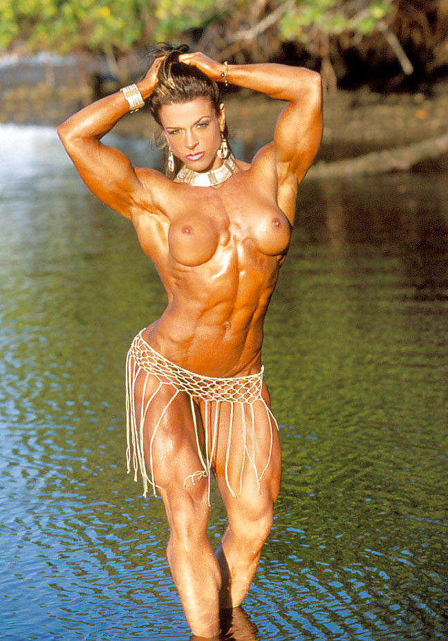 nude-female-bodybuilding-tanning