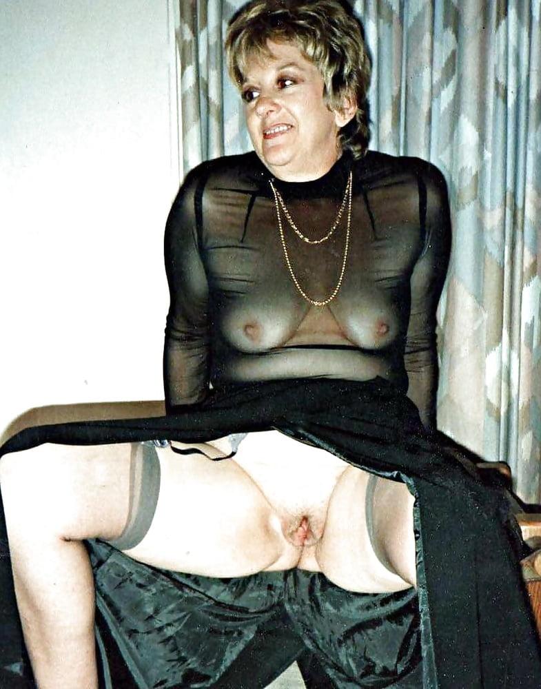 Horny mature women xxx-3192