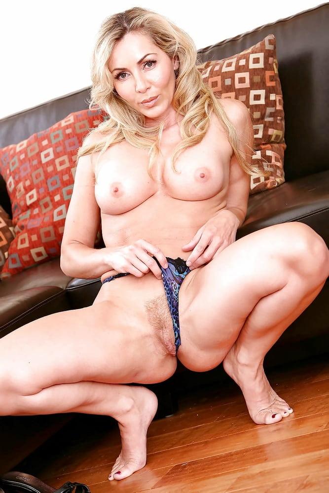 lisa-demarco-naked