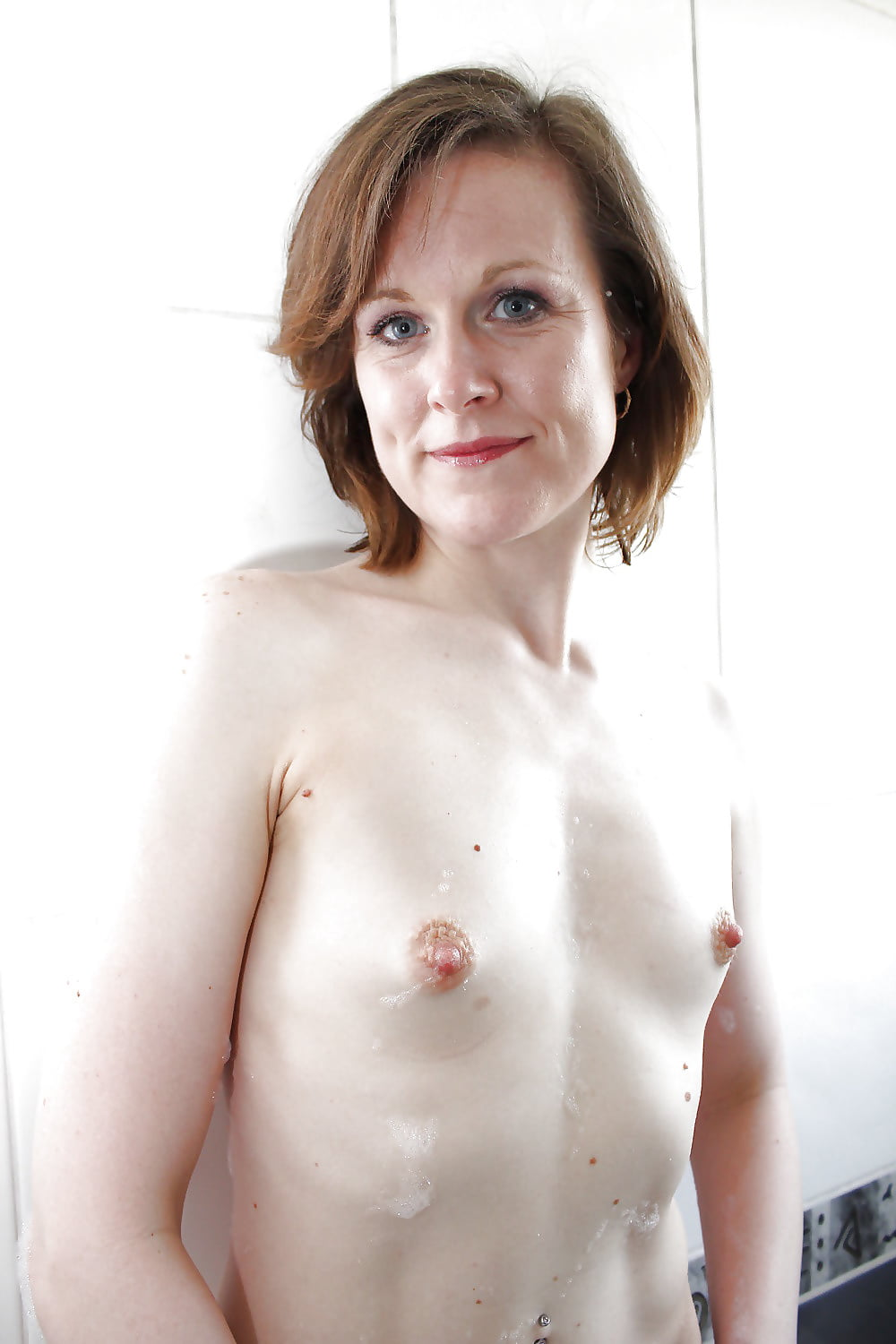 milf-flat-breasts-live-sex-cams