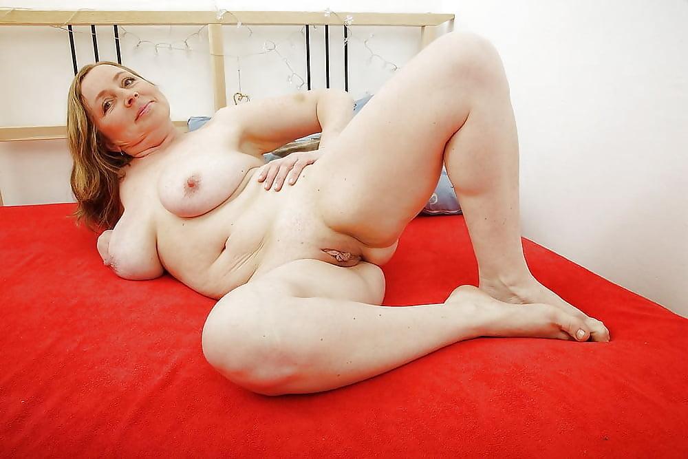 устаете, стрессы рыжая секс толстушка показывает все свои прелести перед камерой фото больших