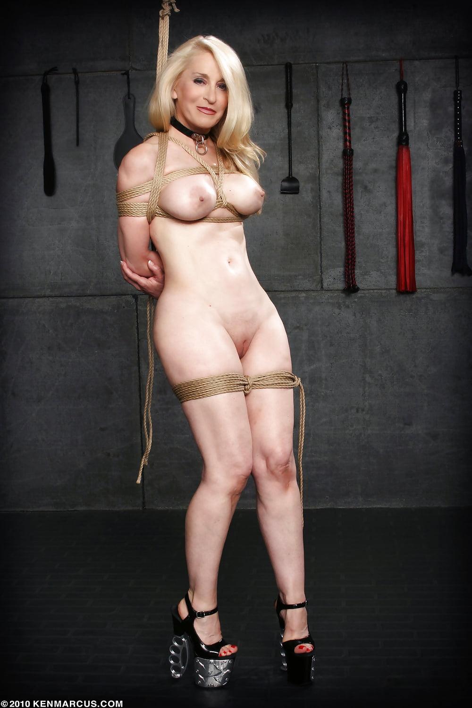 jennifer-bini-taylor-nude