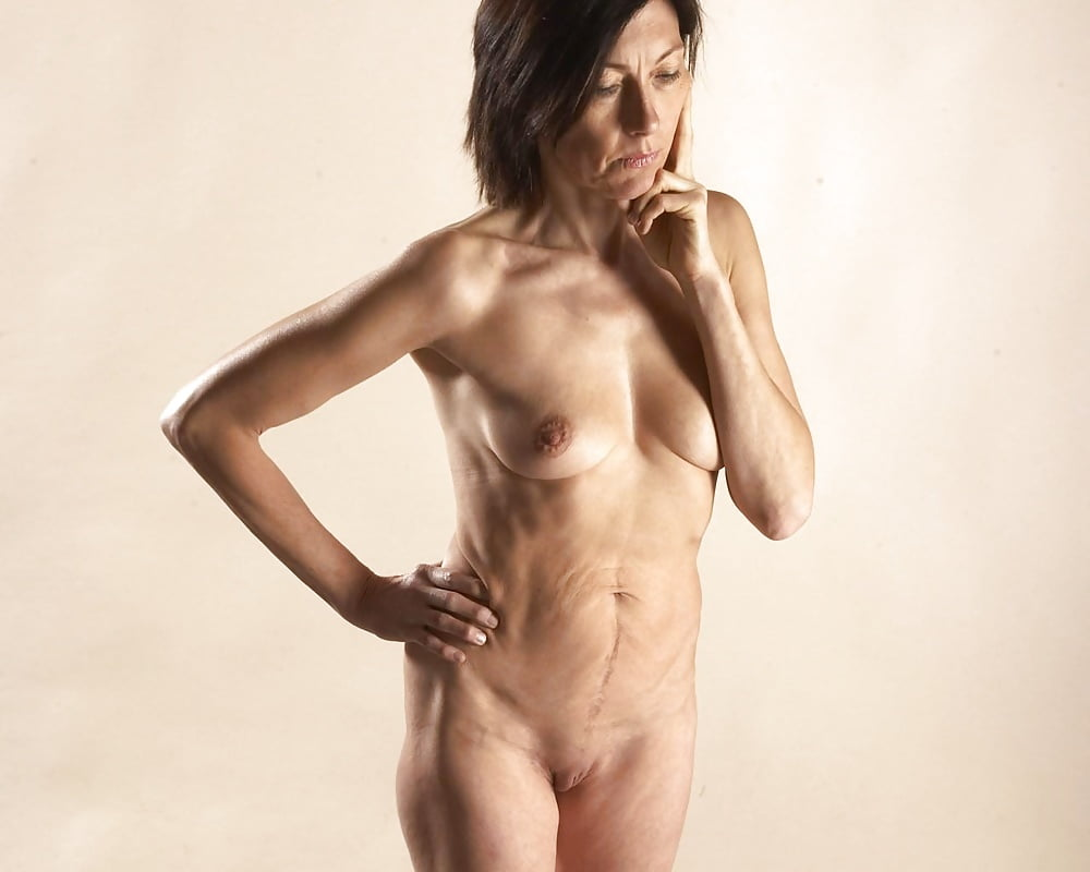 Девушки в возрасте голые фото — photo 9