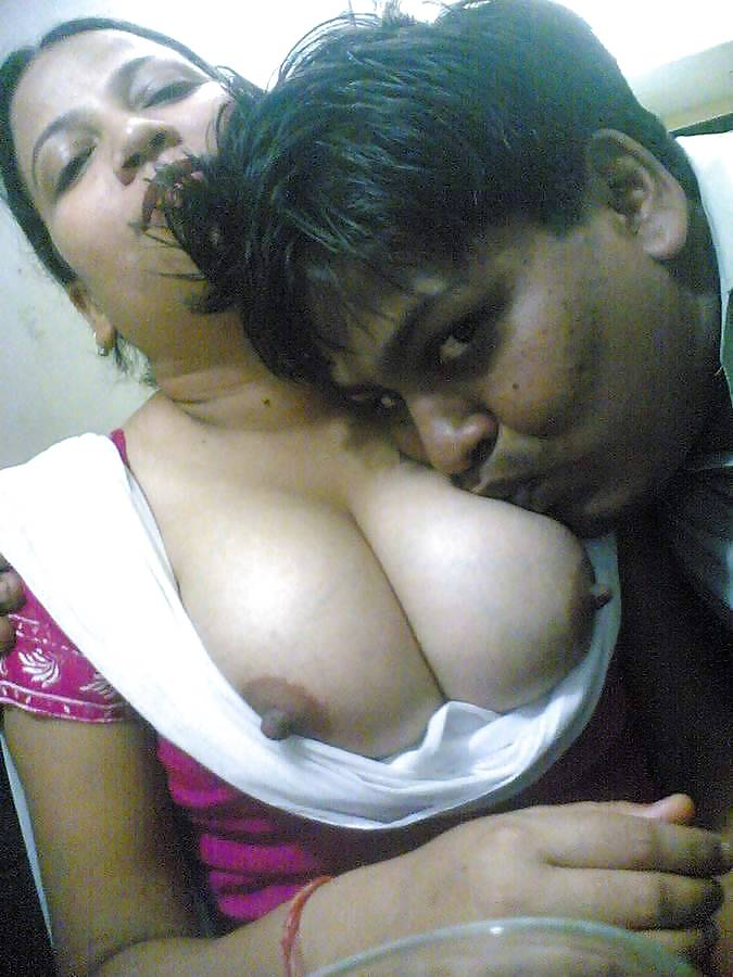 mallu-boob-sucking-video