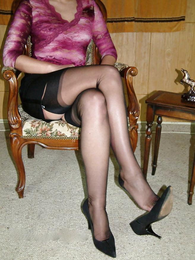 зрелая дама в капроне - 13