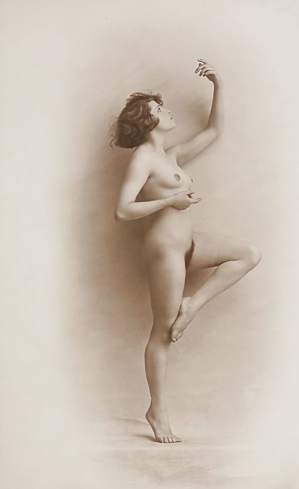 Nude woman in lansing